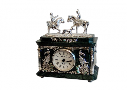 s-267.  <br>  Clock «Meeting». <br>  925 silver. 556 grams. Natural Chrysoprase and Jasper.