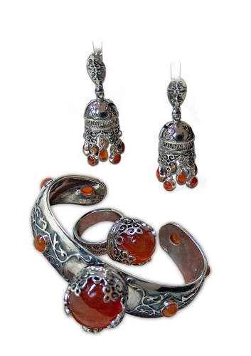 A-26.        <br>                             Kit. <br> 925 silver. Natural Carnelian.