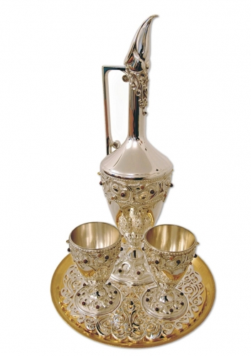 s-67. <br>  Wine set. <br>  960 silver. 1357 grams. Gilding. Natural Jasper. Carnelian and Tigroid.