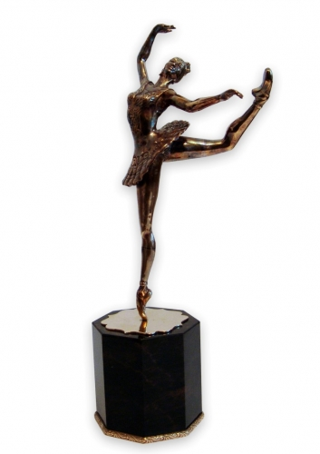 S-302.      <br>              Figurine «Ballerina». <br> Bronze. Natural Obsidian. Height 27 cm