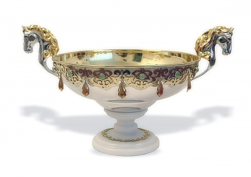 s-54. <br>   Bowl with horses. <br> 960 silver. 1081 grams. Gilding. Natural Carnelian. Chrysoprase and Hematite. Height 20 cm. Diameter 27 cm .