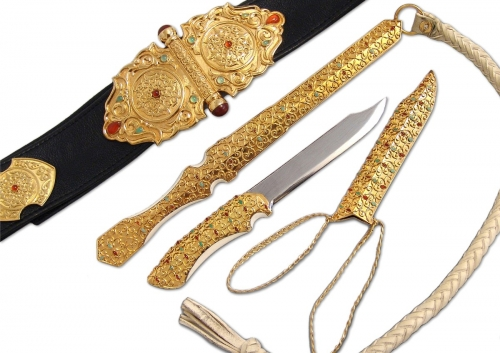 s-197.  <br>  Khan's belt, knife, whip. <br>  925 silver. 1062 grams. Gilding.Natural  Mammoth tusk, Carnelian, Chrysoprase, Chalcedony, Leather and Damascus steel.