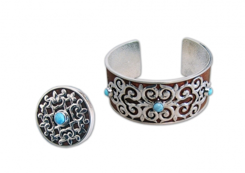 A-183.    <br>                  Kit. <br> 925 silver. Natural Turquoise. Leather.